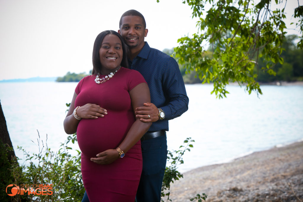 Maternity Photo smiling couple